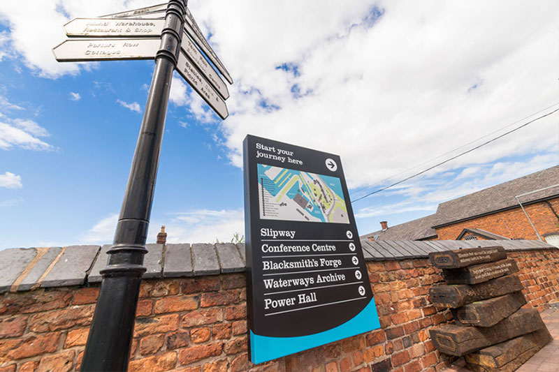 Ellesmere port boat museum directional sign